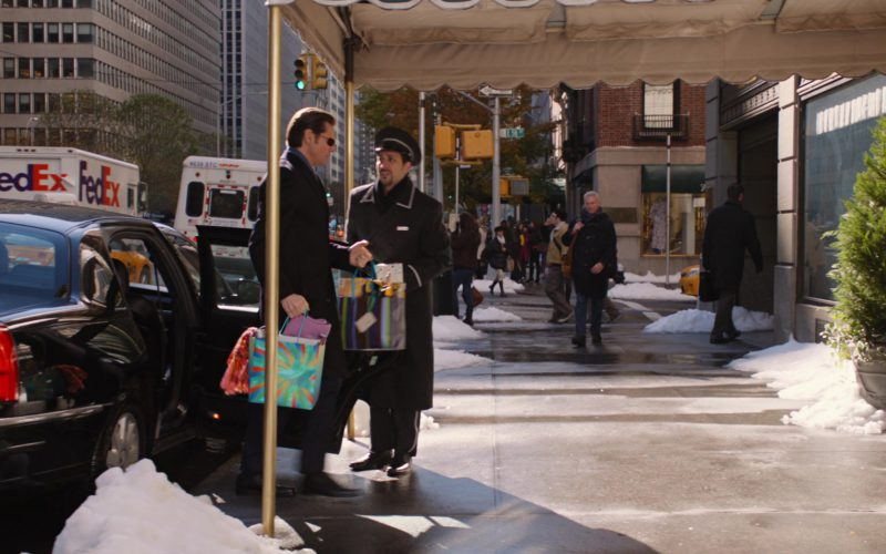 FedEx in Mr. Popper's Penguins (1)