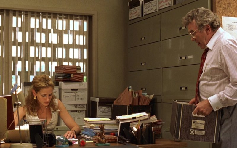 Fellowes Boxes in Erin Brockovich (1)