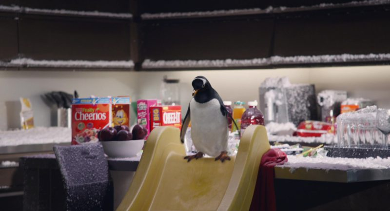 Fruity Cheerios Cereal and Cheez-It Crackers in Mr. Popper's Penguins (2011) Movie Product Placement