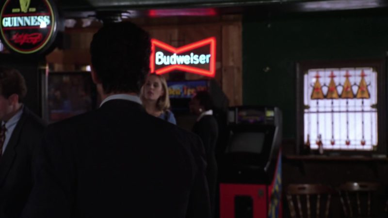Guinness and Budweiser Beer Signs in Miss Congeniality (2000) Movie Product Placement