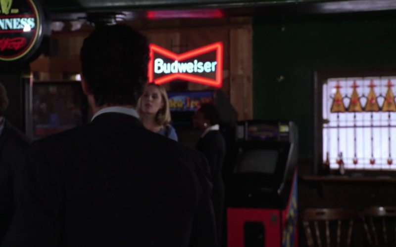 Guinness and Budweiser Beer Signs in Miss Congeniality (1)