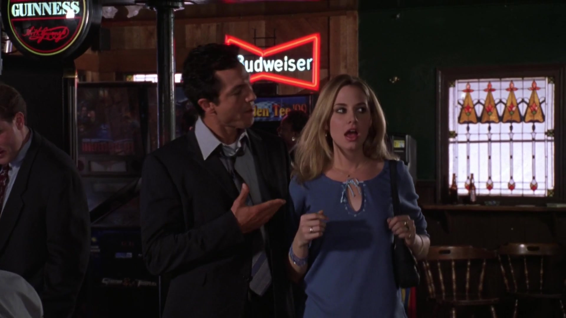 Guinness And Budweiser Beer Signs In Miss Congeniality 2000