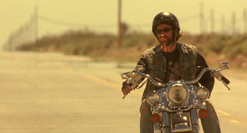 Harley-Davidson Heritage Softail Classic Motorcycle Used by Aaron Eckhart in Erin Brockovich (2000) - Movie Product Placement