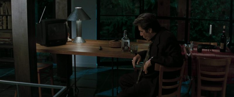 Jack Daniel's Tennessee Whiskey Drunk by Al Pacino in Heat (1995) - Movie Product Placement