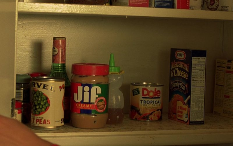 Jif Peanut Butter, Dole Tropical Fruit Salad, Kraft Macaroni and Cheese Dinner in Erin Brockovich (1)