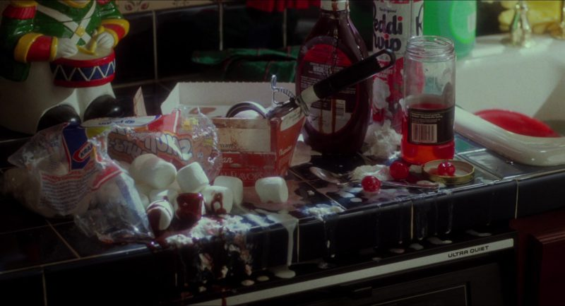 Kraft Marshmallows, Hershey's Syrup and Reddi-wip in Home Alone (1990) - Movie Product Placement