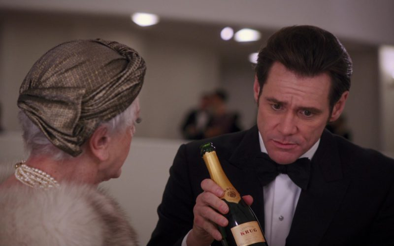 Krug Champagne Held by Jim Carrey in Mr. Popper's Penguins (1)