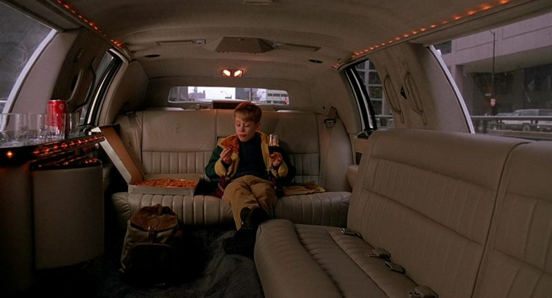 Lincoln Town Car Stretched Limousine Used by Macaulay Culkin (Kevin McCallister) in Home Alone 2: Lost in New York (1992) - Movie Product Placement
