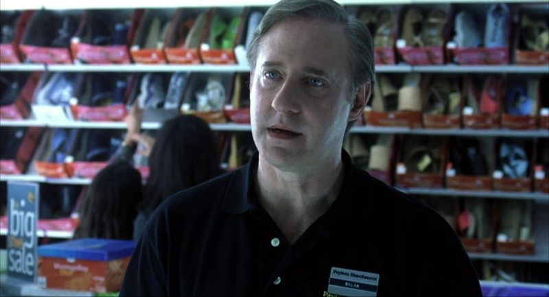 Payless ShoeSource Store and Worker in I Am Sam (2001) - Movie Product Placement