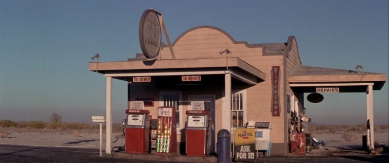 Pennzoil in Rat Race (2001) - Movie Product Placement