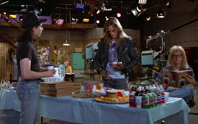 Pizza Hut, Doritos Tortilla Chips, Pepsi and Mountain Dew Soft Drinks in Wayne's World (1)