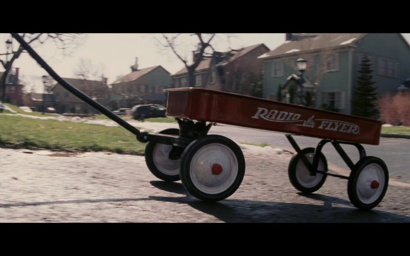 Radio Flyer Classic Red Wagon in Christmas with the Kranks