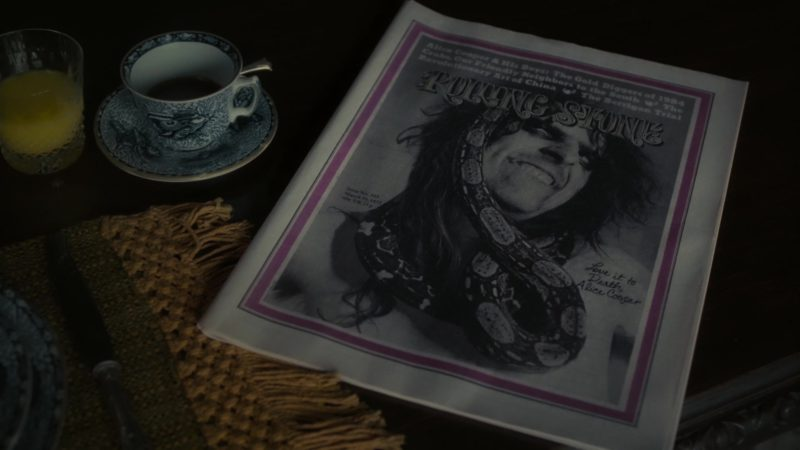 Rolling Stone Magazine in Dark Shadows (2012) Movie Product Placement