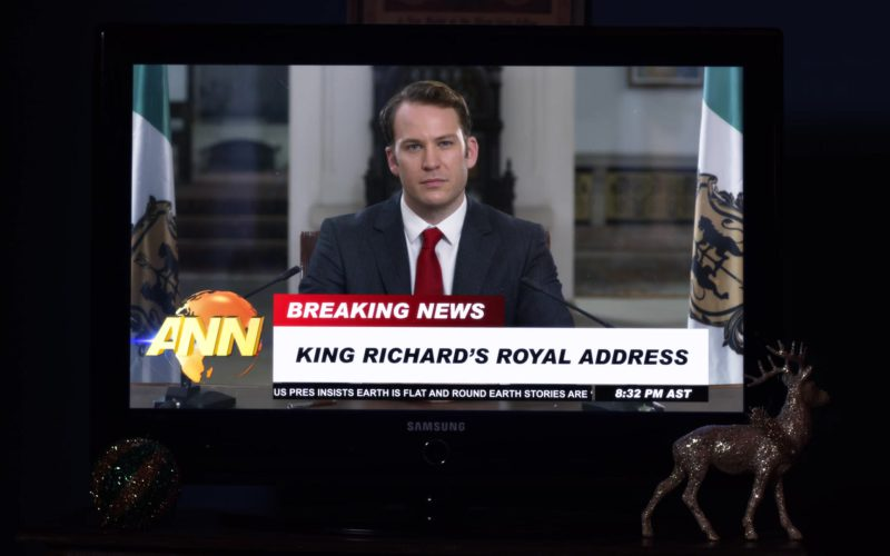 Samsung TV in A Christmas Prince The Royal Wedding (1)