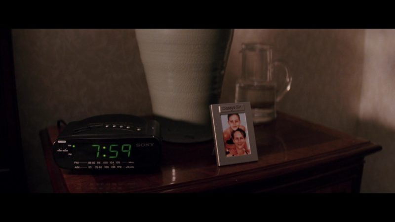 Sony Clock in Christmas with the Kranks (2004) - Movie Product Placement