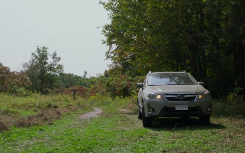 Subaru Crosstrek Car Driven by Anna Kendrick in A Simple Favor (10)