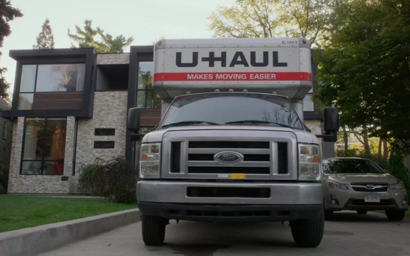 U-Haul in A Simple Favor (1)