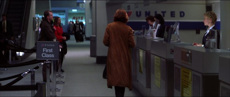 United Airlines in The Thomas Crown Affair (1999) - Movie Product Placement
