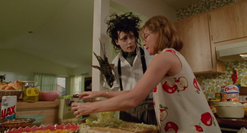 Ajax and Cheetos in Edward Scissorhands (1990) - Movie Product Placement