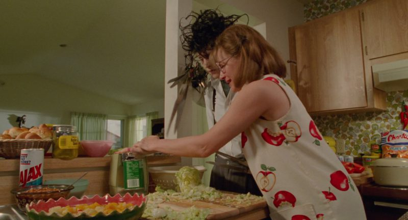 Ajax and Cheetos in Edward Scissorhands (1990) Movie Product Placement