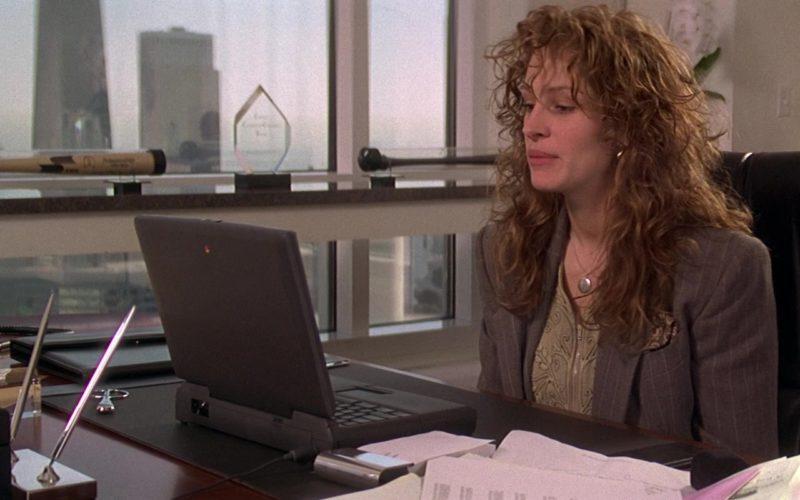 Apple Laptop Used by Julia Roberts in My Best Friend's Wedding (8)