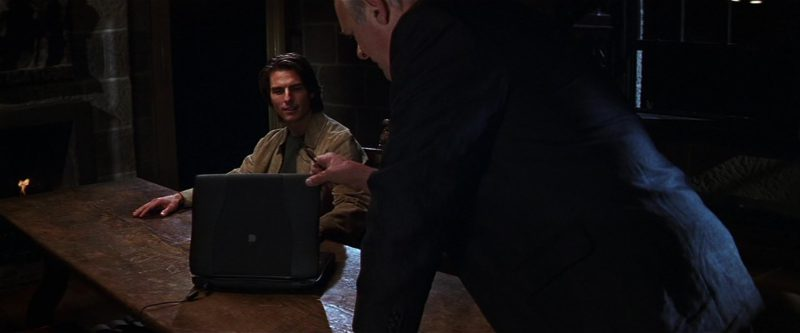 Apple Laptop Used by Tom Cruise in Mission: Impossible II (2000) - Movie Product Placement