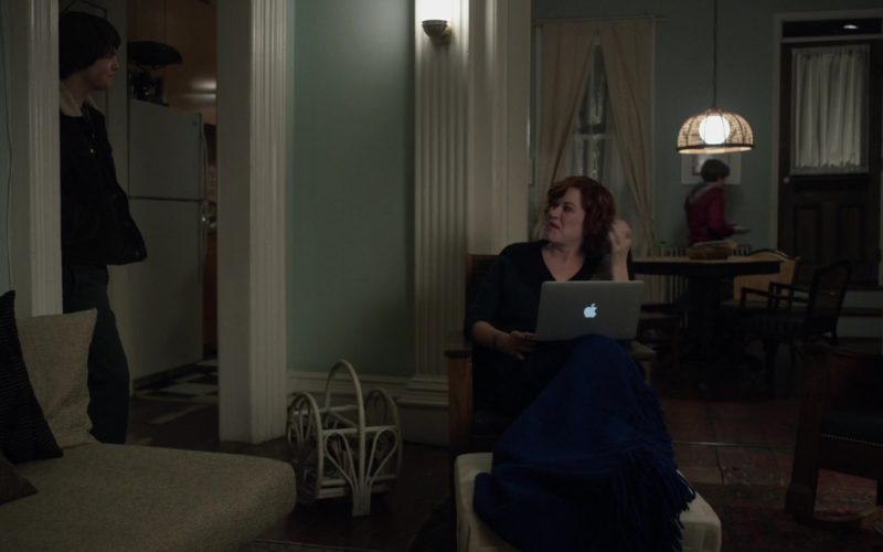 Apple MacBook Air Laptop Used by Molly Ringwald in All These Small Moments (1)