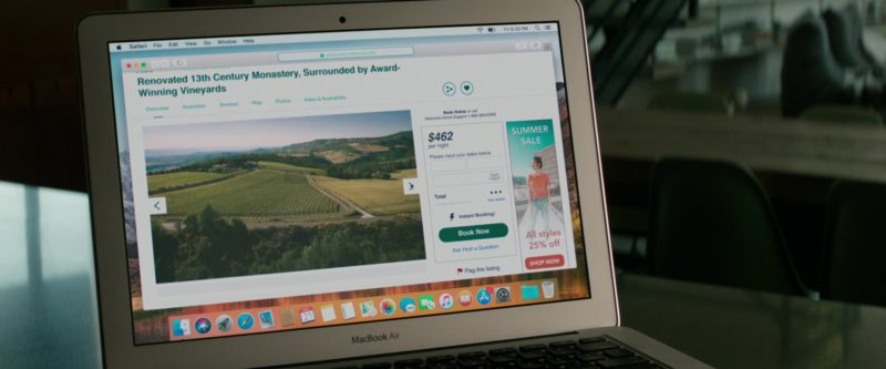 Apple MacBook Air Laptop and Safari WEB Browser in Welcome Home (2018) Movie Product Placement