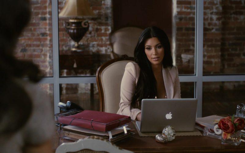 Apple MacBook Laptop Used by Kim Kardashian (1)