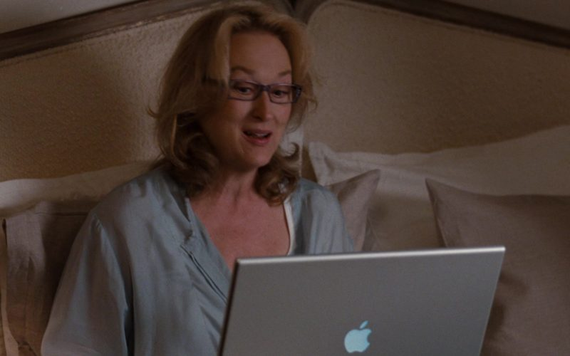Apple MacBook Laptop Used by Meryl Streep in It's Complicated (2)