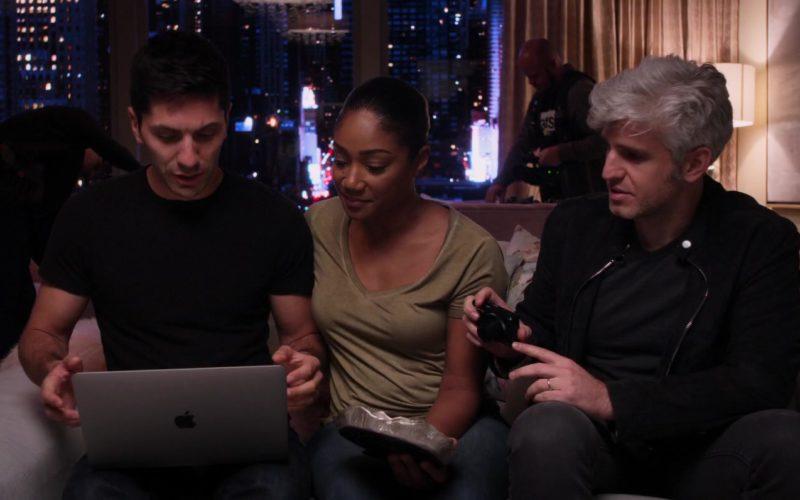 Apple MacBook Laptop Used by Nev Schulman in Nobody's Fool (1)