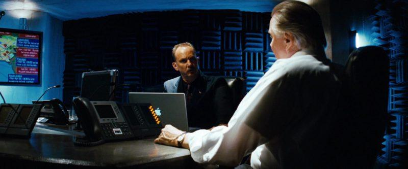 Apple MacBook Laptop in Transformers (2007) - Movie Product Placement