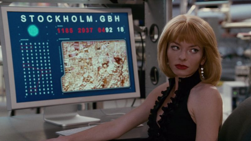 Apple Thunderbolt Display Used by Katherine Boecher in The Spy Next Door (2010) - Movie Product Placement