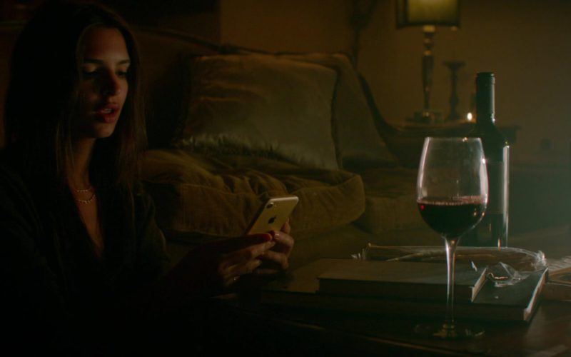 Apple iPhone Smartphone Used by Emily Ratajkowski in Welcome Home (1)