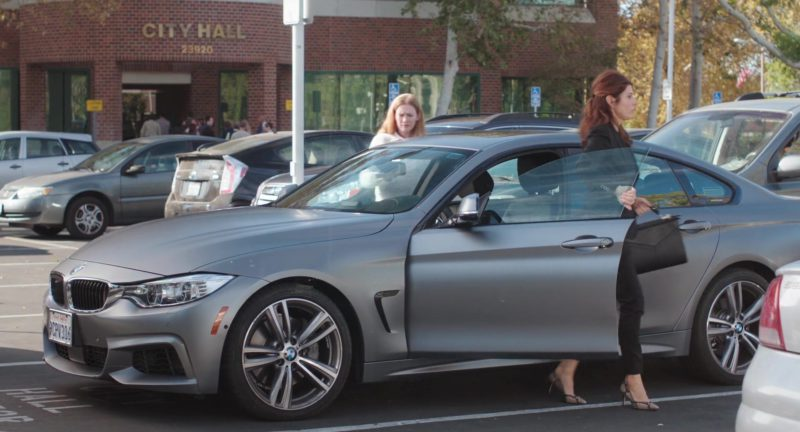 BMW Car Used by Marisa Tomei in Dark Was the Night (2018) - Movie Product Placement