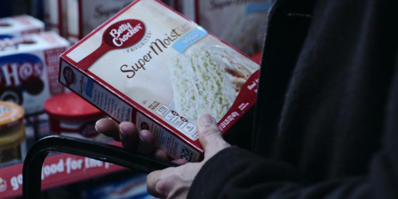 Betty Crocker Super Moist White Cake Mix in Polar (2019) Movie Product Placement