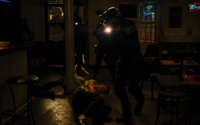Budweiser Beer Sign in The Dark Knight Rises (1)