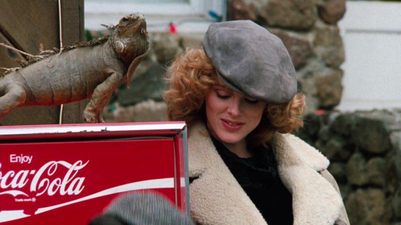 Coca-Cola Vending Machine in Cobra (1986) - Movie Product Placement