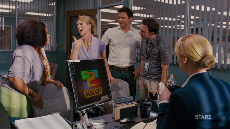 Dell Computer Monitor Used by Katherine Heigl in The Ugly Truth (2009) - Movie Product Placement