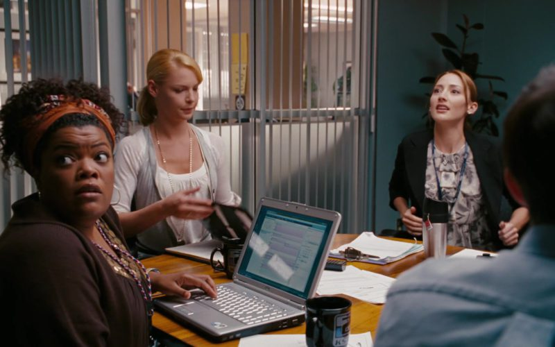 Dell Laptop Used by Yvette Nicole Brown in The Ugly Truth (2)