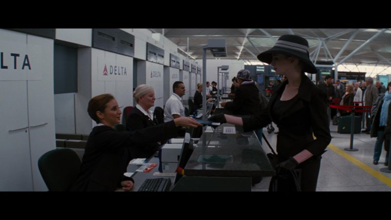 Delta Air Lines in The Dark Knight Rises (2012) - Movie Product Placement
