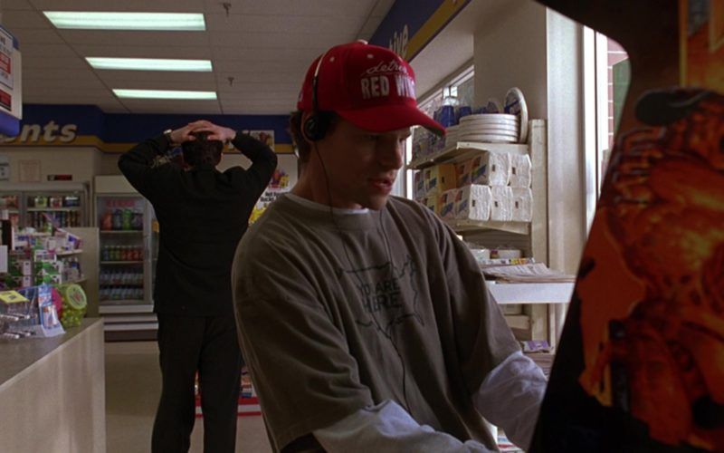Detroit Red Wings Cap in Grosse Pointe Blank (1)