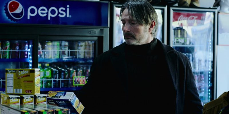 Food Club Deluxe Macaroni & Pepsi in Polar (2019) - Movie Product Placement