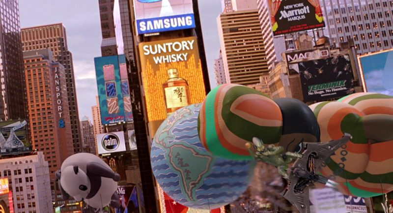 Hershey's Kisses, Jansport, Palm, Samsung, Suntory Whisky, Marriott, Terminix in Spider-Man (2002) - Movie Product Placement