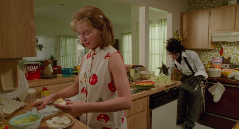 Hills Bros. Coffee and Cheetos in Edward Scissorhands (1990) Movie Product Placement