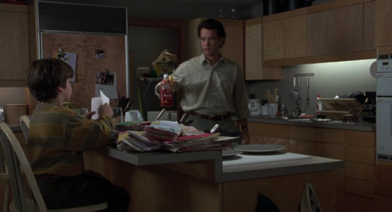 Hunt's Ketchup Held by Tom Hanks in Sleepless in Seattle (1993) Movie Product Placement