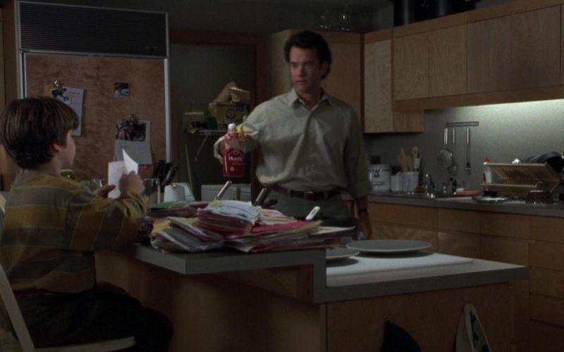 Hunt's Ketchup Held by Tom Hanks in Sleepless in Seattle