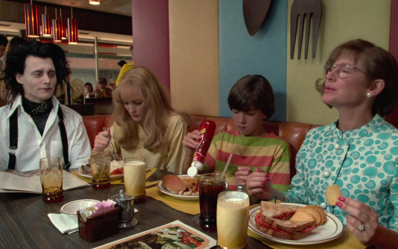 Hunt's Ketchup in Edward Scissorhands (1)