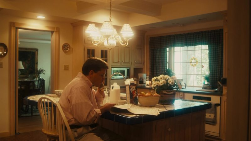 Kellogg's Frosted Flakes Cereal in The Informant! (2009) Movie Product Placement