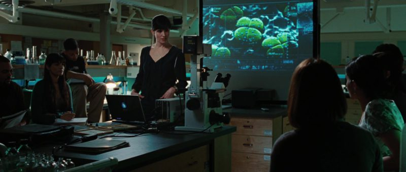 Laptop Microsoft Windows Used by Jennifer Connelly in The Day the Earth Stood Still (2008) - Movie Product Placement